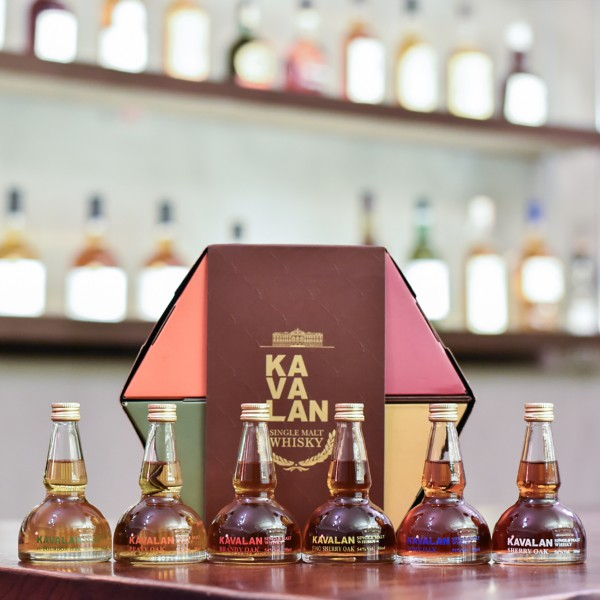 Kavalan Miniature Pot Still Gift Set