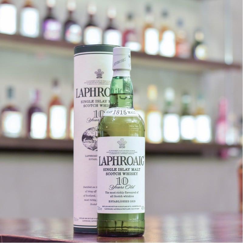 Laphroaig 10 Year Old - Older Bottling