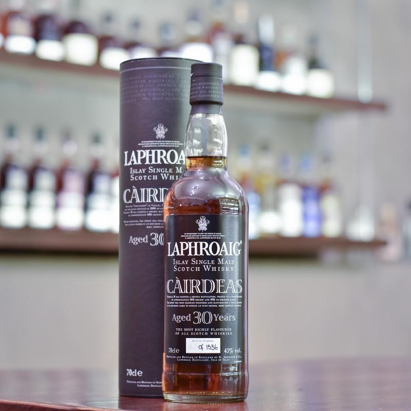 Laphroaig 30 Year Old Cairdeas
