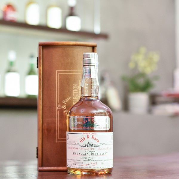 Old and Rare - Macallan 28 Year Old 1978 Platinum Selection